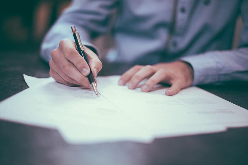 سوالات متداول درباره نحوه نوشتن رزومه کاری برای استخدام